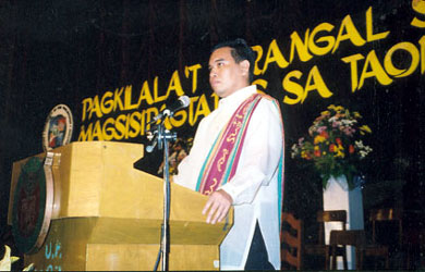Master of ceremonies, UP CMC Recognition Ceremonies on 25 April 2004 at the UP Film Center