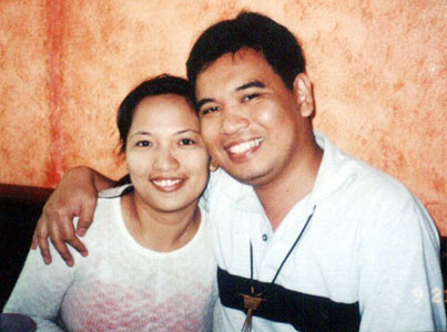 Joy and I at Don Henricos in Malate, Manila (21 September 2004)